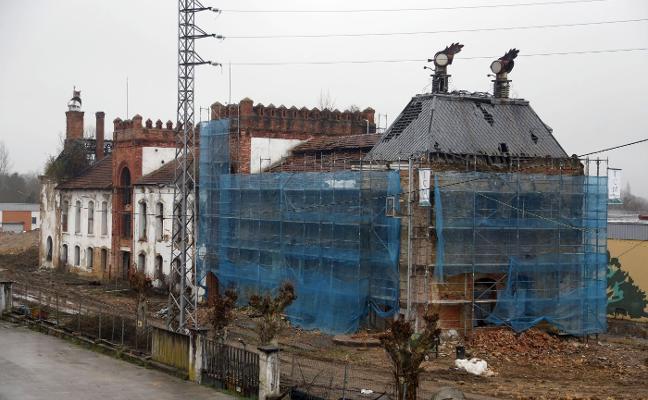 Los arquitectos aseguran que El Águila Negra sufrió daños intencionados