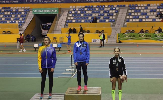 Cinco medallas y tres mínimas nacionales para los avilesinos en pista cubierta