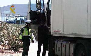 Denunciado un camionero en Ciudad Real por dejar conducir a un niño de 4 años