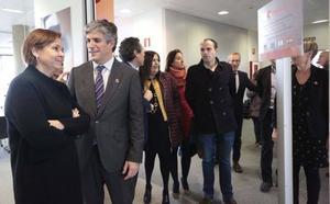 Carmen Moriyón tilda de hito la llegada de Chemours a un Gijón «competente y competitivo»