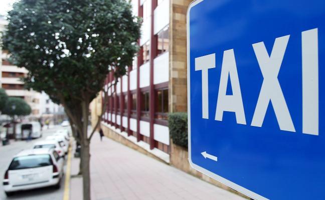 Los taxistas de Oviedo rotarán sus descansos desde el lunes y se interrumpirán solo en grandes eventos