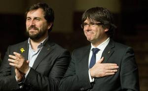 Los independentistas ultiman un acuerdo que incluiría la renuncia de Puigdemont