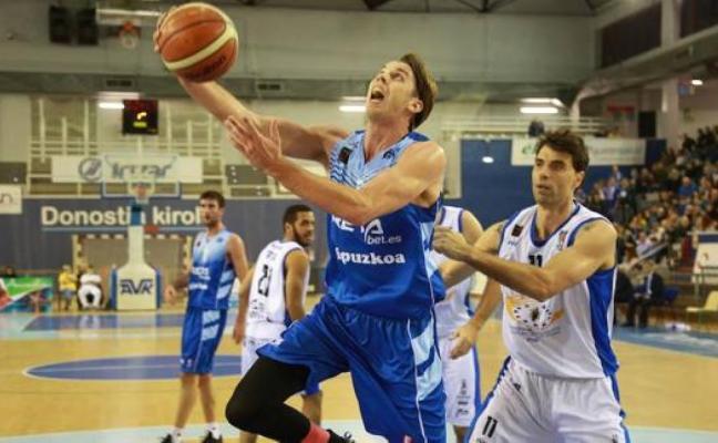 El Oviedo Club Baloncesto mueve el banquillo