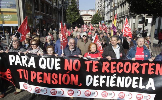 Los jubilados asturianos advierten de que no pararán hasta blindar sus pensiones