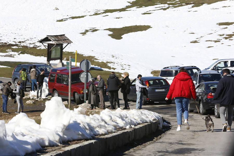 Jornada de sol y nieve en Asturias