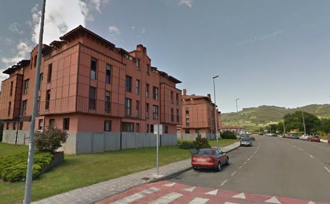 Vipasa cede un piso de emergencia a la familia de El Faro de Tazones