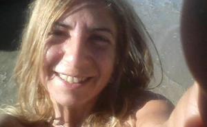 La familia de la desaparecida en Navia mantiene la esperanza de que esté viva