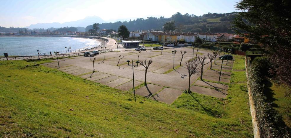 La zona azul de Ribadesella divide a los vecinos y el sector turístico