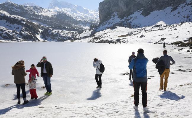 Asturias se lanza a la nieve