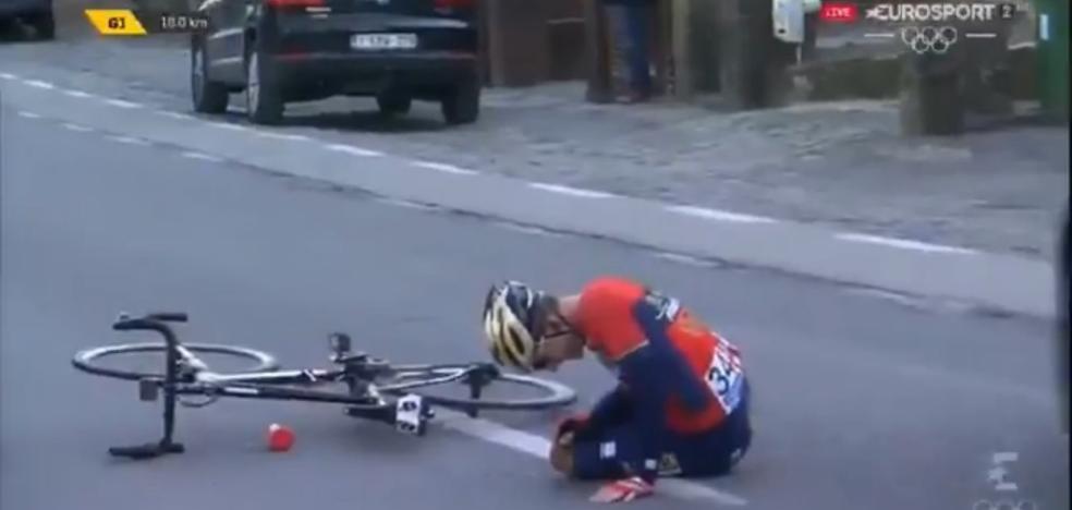 El gijonés Iván Cortina se cae en la clásica Omloop Het Niewsblad