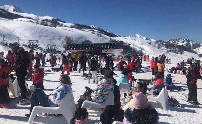 Fin de semana de récord en las estaciones de esquí