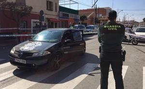 Herida al ser tiroteada en Murcia por el padre de sus hijos