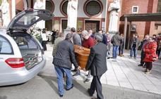 Blimea se vuelca con la familia de 'Milio' en el funeral