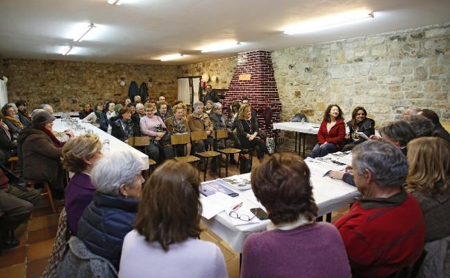 Los vecinos de Somió, «indignados y sin soluciones» ante los jabalíes