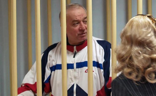 El exespía ruso Skripal y su hija siguen en estado crítico