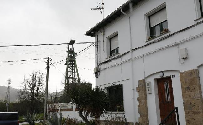41 familias de La Camocha se enfrentan al desahucio por el proceso concursal de la mina