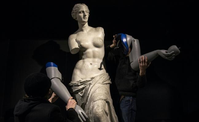 La Venus de Milo recupera los brazos