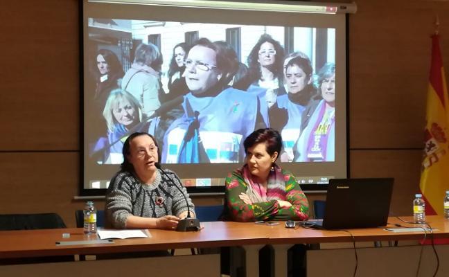 Les Comadres narra en Allande su lucha contra la reforma del aborto