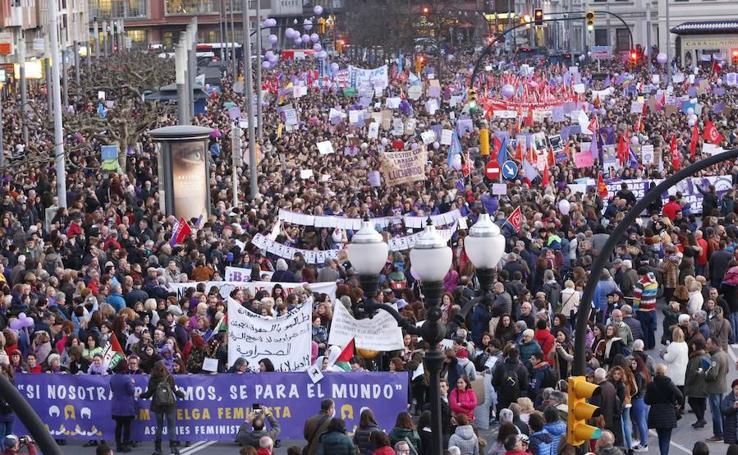 Masiva manifestación por la igualdad en Gijón