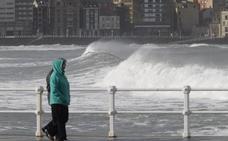 Asturias se enfrenta a vientos de 145 kilómetros y olas de hasta nueve metros