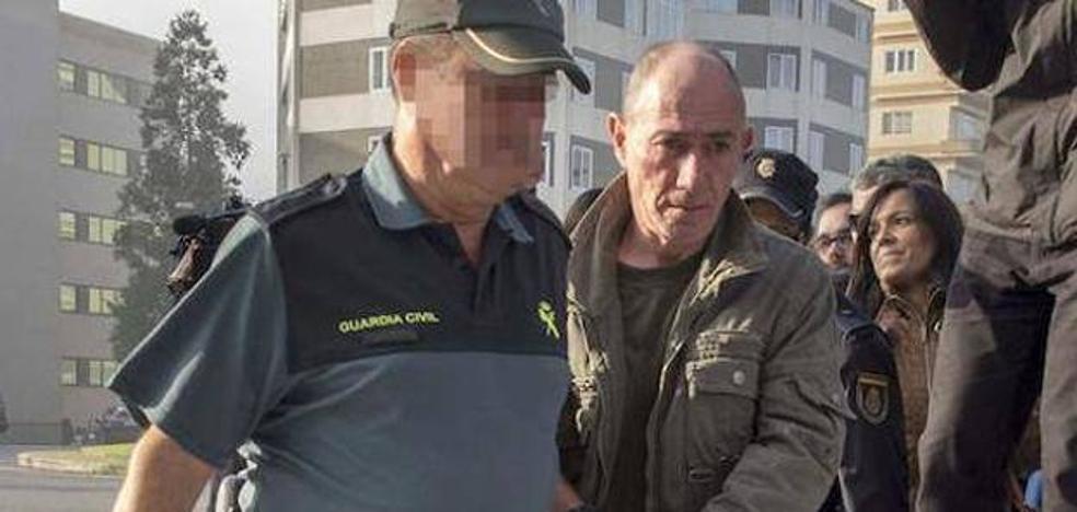 Trasladan al 'violador del estilete' a otra prisión a la espera del juicio