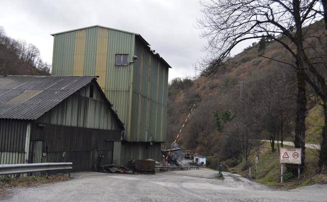 Se aviva el fuego en la mina Carbonar y la empresa plantea un ERE abierto
