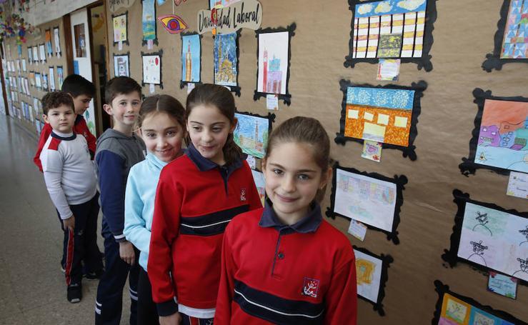 La alcaldesa visita a los alumnos del colegio Montedeva