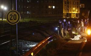 Fallece un hombre atropellado por un tren en Gijón