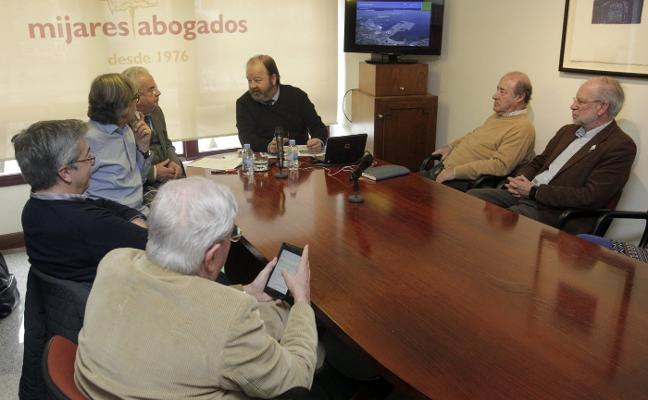 El capitán marítimo de Gijón espera que la regasificadora esté en marcha este año