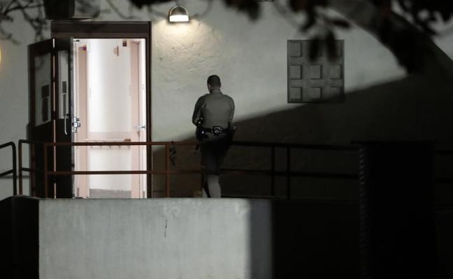 Mata a tres empleadas de un centro para veteranos en California tras retenerlas durante 8 horas