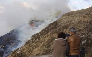 Expectación por un incendio forestal en Picos de Europa