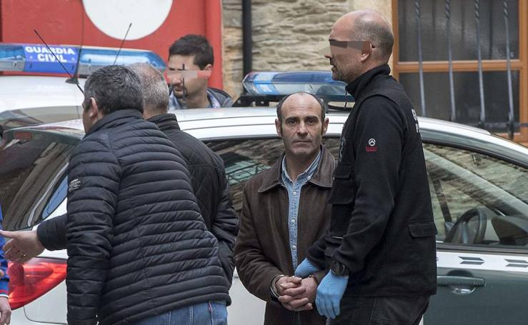La Guardia Civil registra una vivienda en Navia pr el crimen de Paz Fernández Borrego