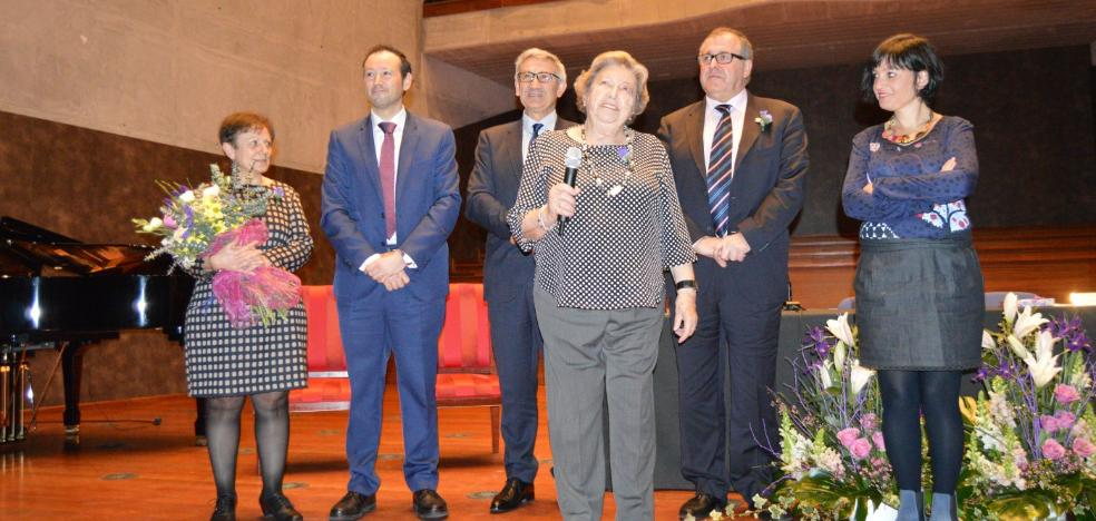 Luarca ensalza a 'Marita' Aragón
