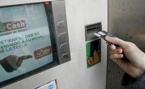 Intenta robar a una mujer en Gijón cuando ésta ingresaba dinero en un cajero