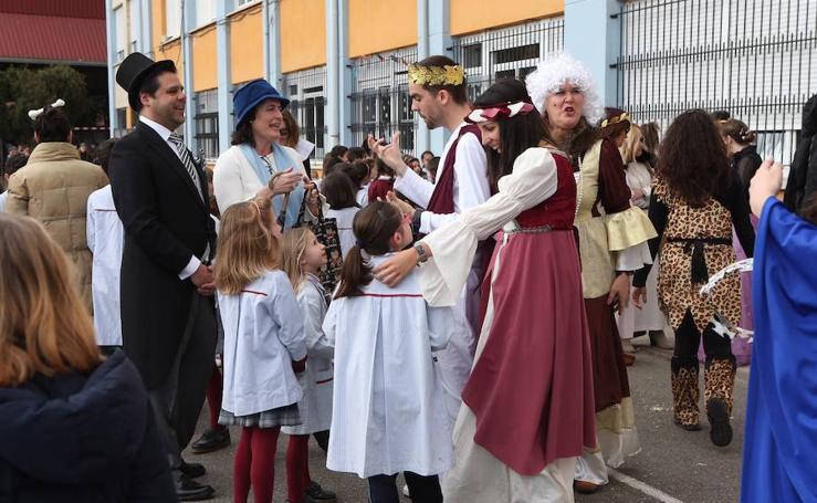 El colegio las Dominicas se disfraza y se convierte en museo dentro del proyecto 'El Arte en la Historia'