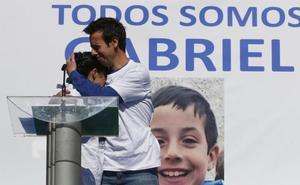 Los padres de Gabriel tuvieron que fingir durante días ante la presunta asesina de su hijo