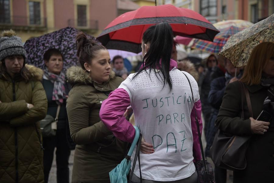 Concentración de repulsa por el asesinato de Paz Fernández