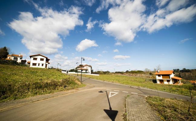 Avall estudia recurrir el informe de la CUOTA que permite construir en Llanes