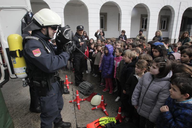 Policías por un día en Oviedo