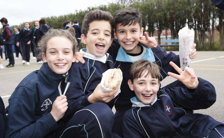 Fiesta del bocadillo en las Dominicas de Gijón