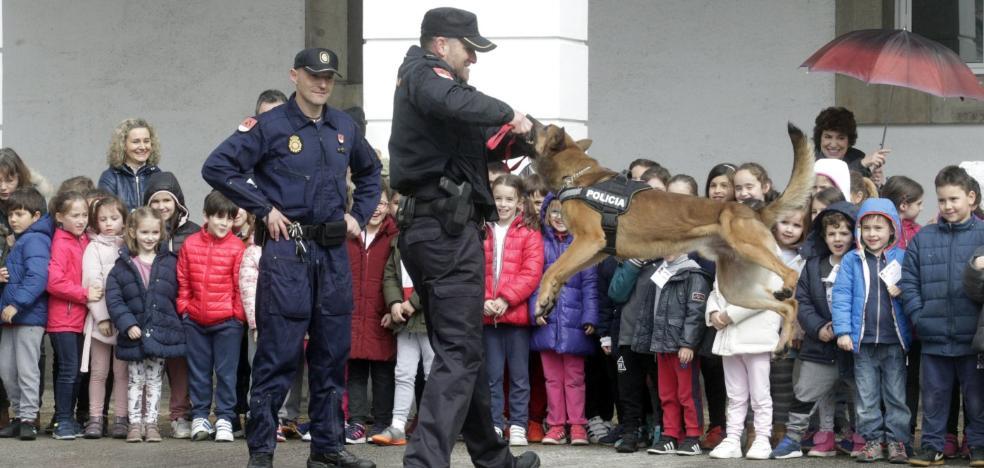 Policías «para detener a los malos»