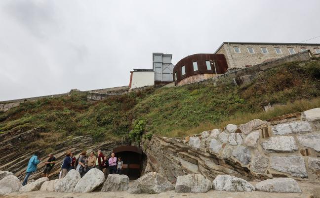 El Ayuntamiento de Castrillón prorroga el contrato de gestión de la Mina de Arnao durante dos meses