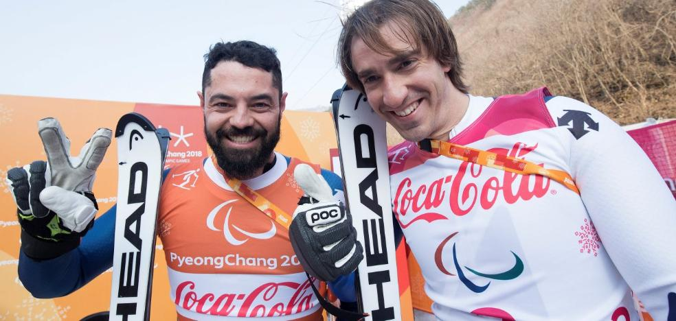 Jon Santacana y Miguel Galindo se cuelgan la plata en Supercombinada