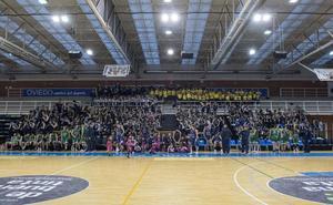 El Oviedo Baloncesto reúne a su gran familia en Pumarín