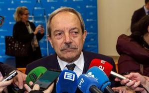 «No podemos contratar, pero nos obligan vía judicial a admitir a cien», lamenta el alcalde de Oviedo
