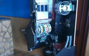 Roban el dinero de la tragaperras de La Pesera, en Lugo de Llanera