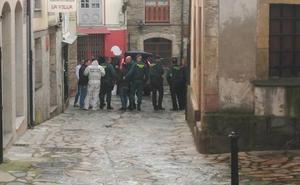 La Guardia Civil registra de nuevo la casa del crimen de Navia