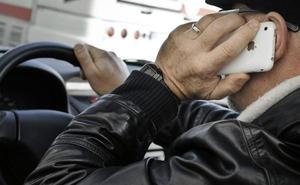 Tres maneras legales de usar el móvil al volante