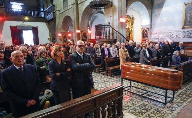 Pravia da su último adiós a Ricardo Álvarez Díaz-Pire