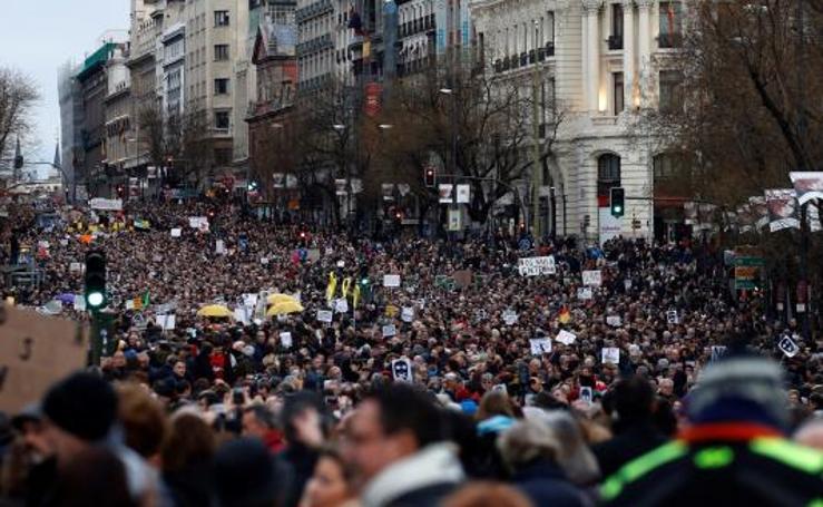 Miles de personas se movilizan en España por unas pensiones dignas